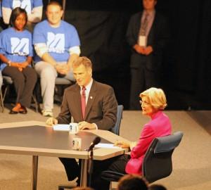 Elizabeth Warren and Scott Brown at Oct 1 debate