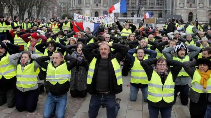 topshot-france-politics-social-demo_8b072a20-fce6-11e8-9457-b1b429387a4e